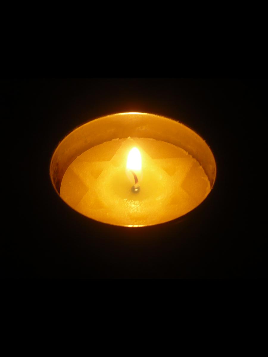 Yom Hashoah Candle 2020
